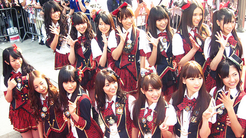 AKB48 by youngelectricpop